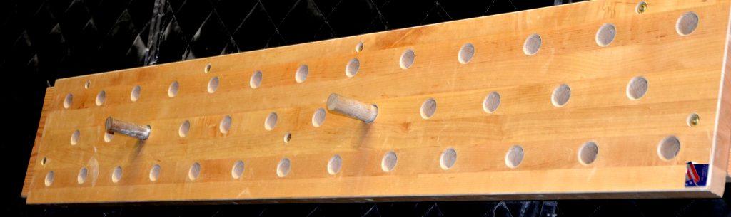 Slider 4 peg wall
